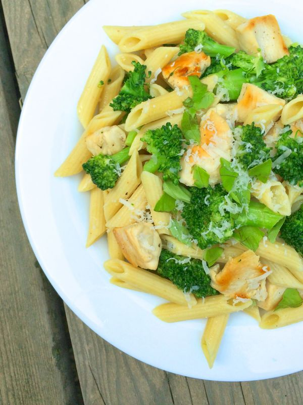 Chicken-Broccoli-Pasta-with-Lemon-Butter-Sauce-by-The-Lemon-Bowl